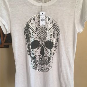 Ladies t shirt with skull NWT never worn